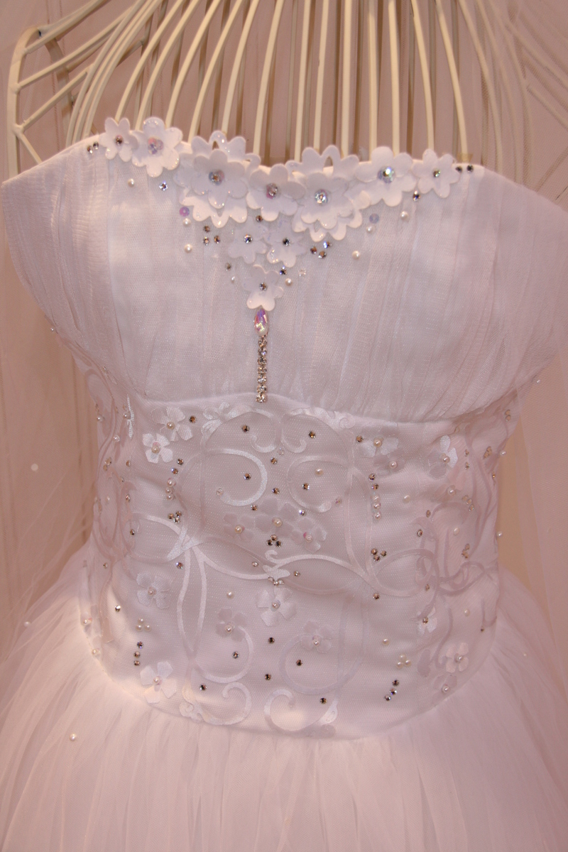 Ellison_wedding_dress
